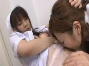 【ナースレズ動画】ドSなロリ顔ナースが美人女医の髪を掴み強制クンニでレズレイプ!
