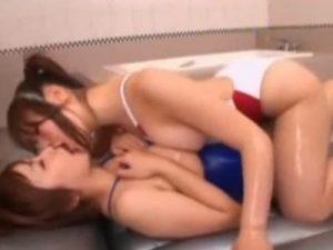 【風俗レズ動画】レズビアン専用のイメクラ風俗店で水着姿になりマットプレイする巨乳娘