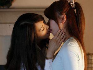【家庭教師レズ動画】受験を控えた美人JDが女教師の熟女おばさんにレズられ百合SEXを覚える